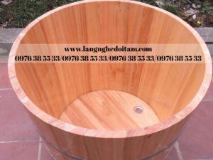 bán bồn tắm tròn dáng đứng gỗ pomu cao cấp