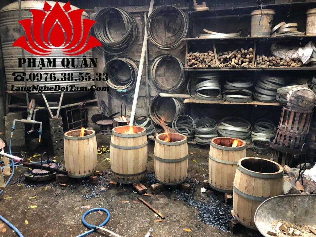 Hơ xám lửa là công đoạn rất quan trọng trong quá trình sx thùng rượ gỗ sồi