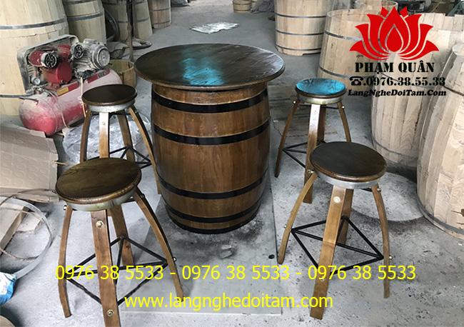 Bán bàn ghế thùng rượu trang trí màu cánh giãn