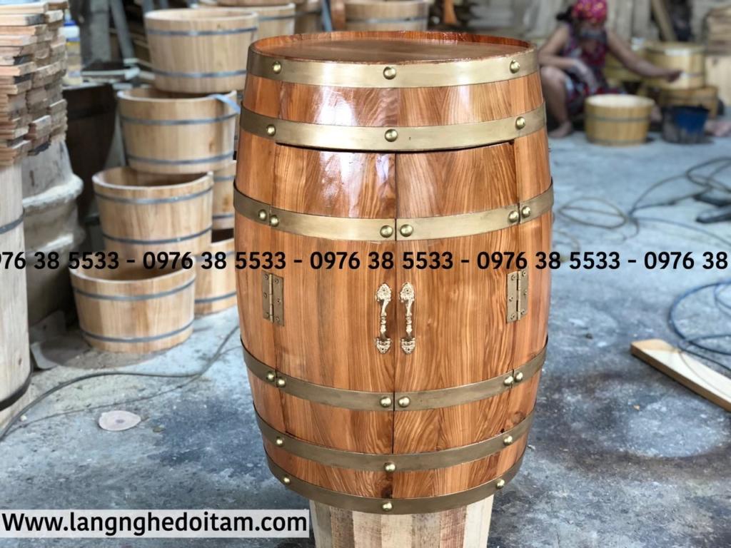 Thùng rượu trang trí gỗ sồi có khay đựng rượu vang bên trong