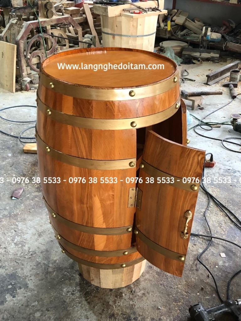 Thùng rượu trang trí chất liệu gỗ sồi