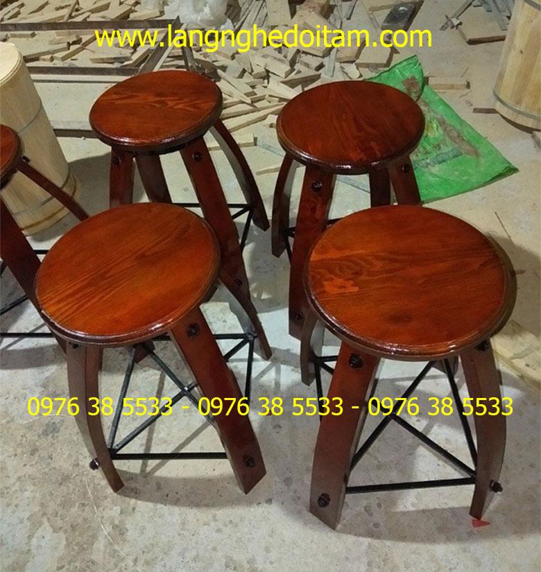 Ghế gỗ trang trí quán bar, cafe