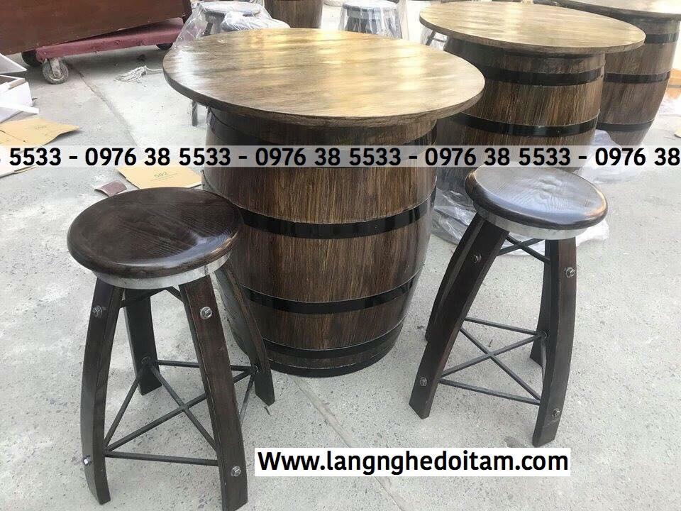 Thùng gỗ bàn ghế trang trí dành cho quầy bar và quầy rượu