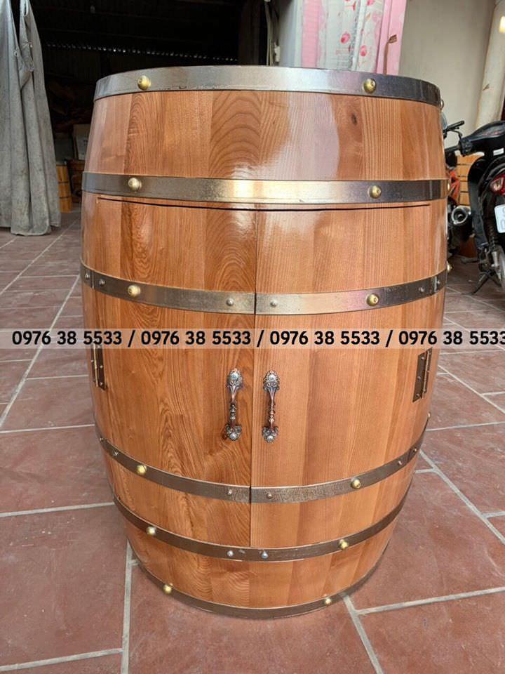 Bán bàn gỗ trang trí cho quán bar