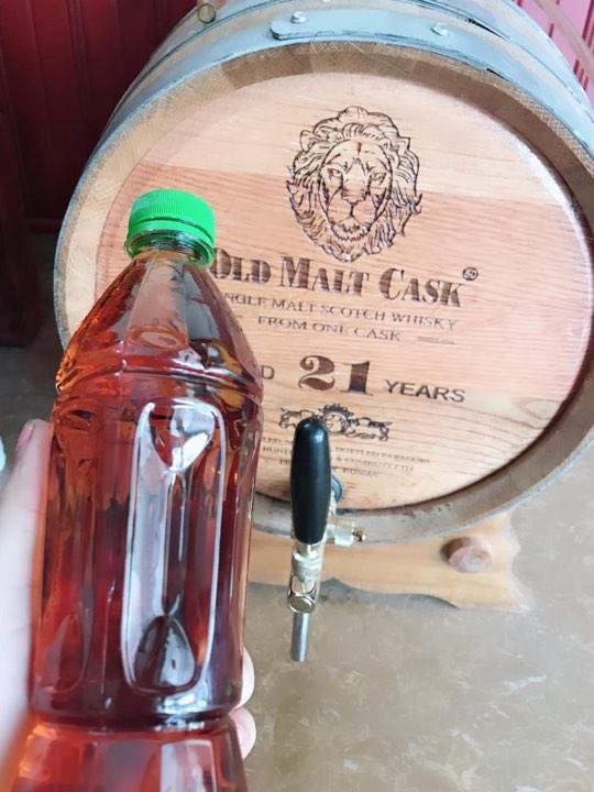 Thùng ngâm rượu trắng bằng gỗ sồi nhập khẩu