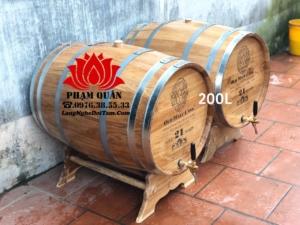 Thùng ngâm rượu gỗ sồi 200L kèm theo vòi và khắc mặt theo yêu cầu