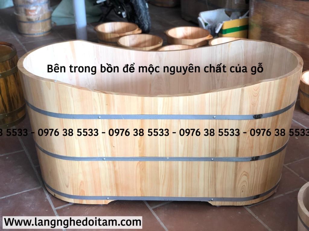 Bồn tắm gỗ Pomu Nhật bên trong để mộc nguyên chất của gỗ