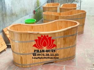 Bồn tắm gỗ thông nhập bo viền trên miệng